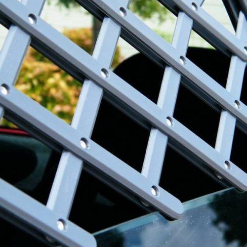 Mikki Dog Window Guard - Expandable Car Vent