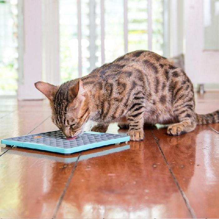 Lickimat Playdate Deluxe Turquoise Cat
