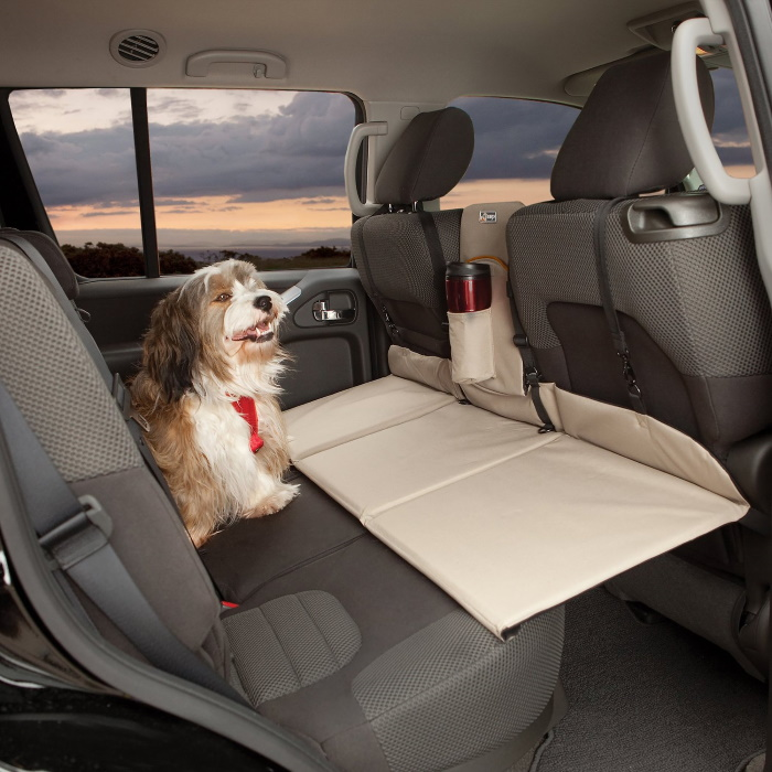 Kurgo_Dog_Backseat_Extender