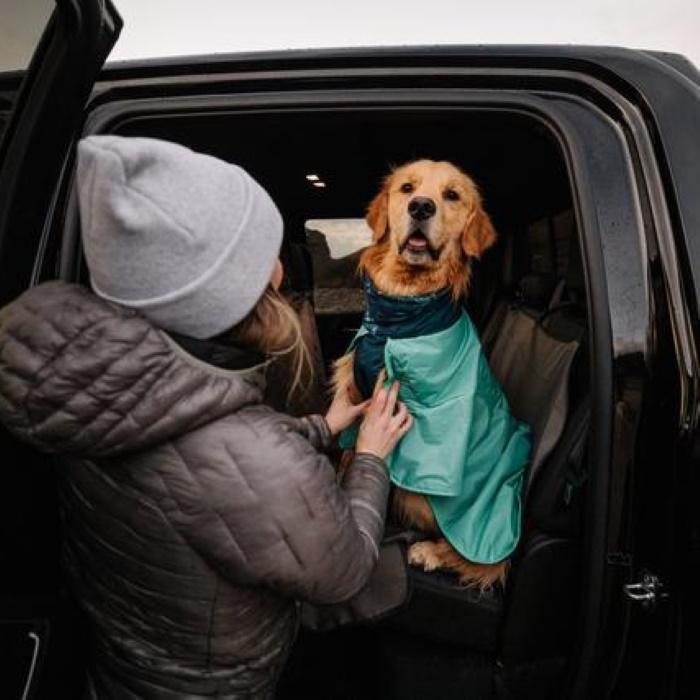 Ruffwear Dirtbag dog drying towel jacket_Aurora Teal LS9