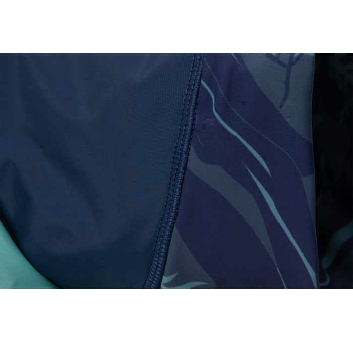 Ruffwear Dirtbag dog drying towel neck detail_Aurora Teal